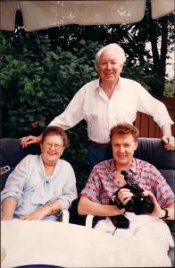 Юра с родителями, Монреаль, 1988