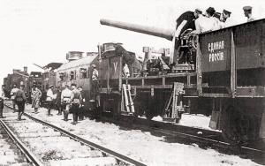 Тяжелый бронепоезд «Единая Россия» перед выходом на передовую, 1919 г.