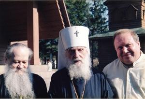 С епископом Сергием и митрополитом Виталием. Свято-Преображенский скит. 2002 г.
