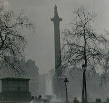 Колонна Нелсона во время Великого смога 1952 г.