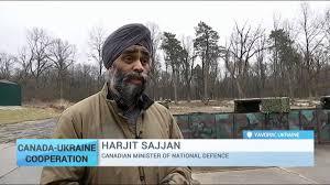 Чалма вместо каски. Канадский министр обороны на полигоне во Львовщине.