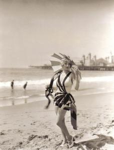 Правильный купальник в Северной Америке 30-х годов