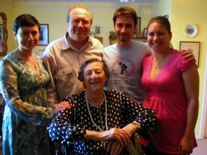 Моя семья с пасхальным визитом у Ирины Борисовныб 2010 г.